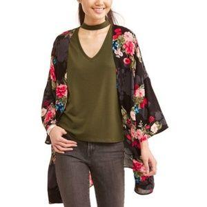 Sweaters - Black floral kimono